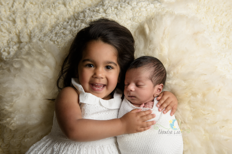 toronto-newborn-photographer-sibling-image